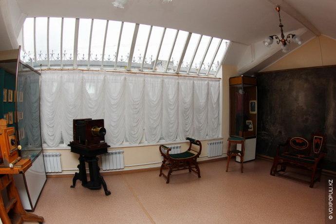 В 1905 году Багаев открыл в Павлодаре свой первый фотосалон. Он был оборудован по тогдашним...