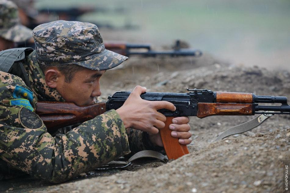 Тщательно прицелиться и не допустить промаха: от этого зависит результат стрельбы всего подразделения