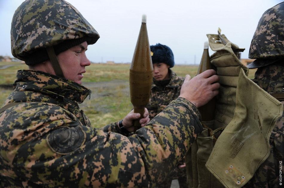 Подготовка к стрельбе из ручного противотанкового гранатомета