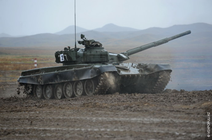 В общей сложности в испытаниях приняли участие все региональные командования и роды войск: 11 танковых...