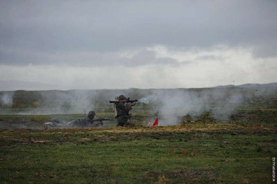 Командирам взводов необходимо было также показать свои навыки в управлении огнем подразделения в условиях, максимально...