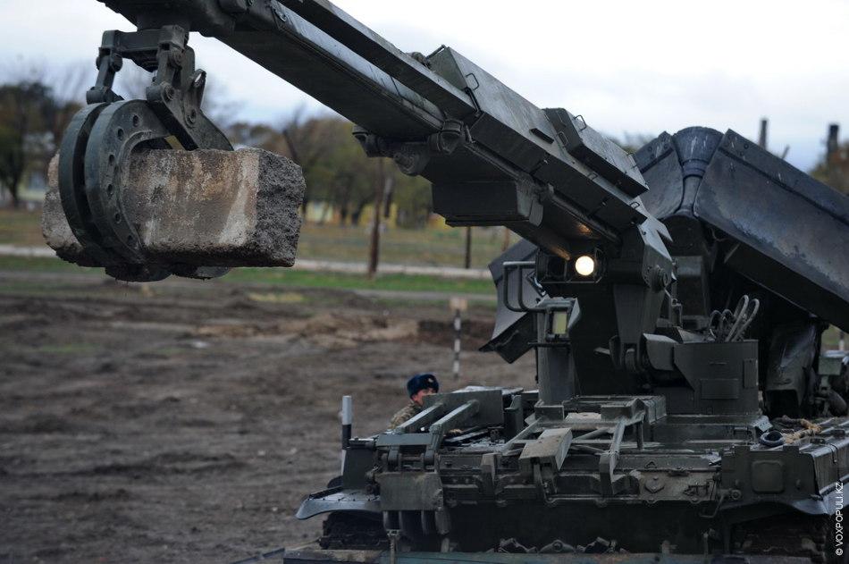 Армейская инженерная машина разграждения