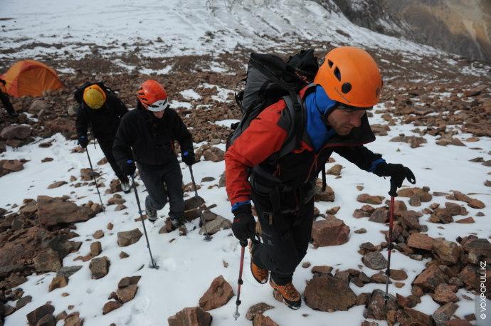 В середине прошедшего сентября я организовал небольшую экспедицию, целью которой было восхождение на пик Талгар....