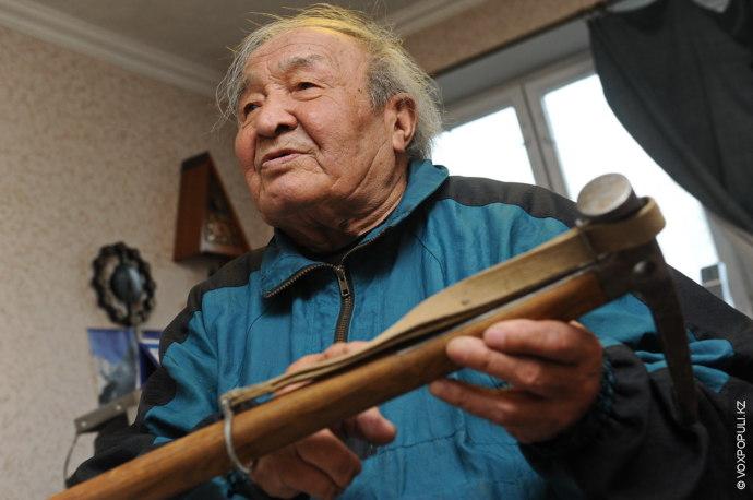 Урал Усенов – алма-атинский альпинист – уже четвертый день находился в пути, пытаясь дойти до...