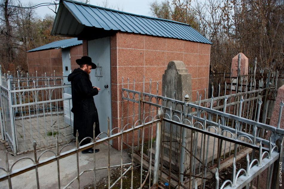 Здесь захоронен раби Леви Ицхак Шнеерсон – раввин, великий мудрец и отец Любавического Ребе, был...