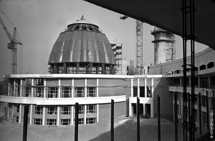 Одним из символов Алматы по праву считается здание Дворца школьников. Как было построено это удивительное...