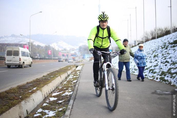 – Возможно, в будущем я перейду на автомобили, но не в этом городе. Алматы не...