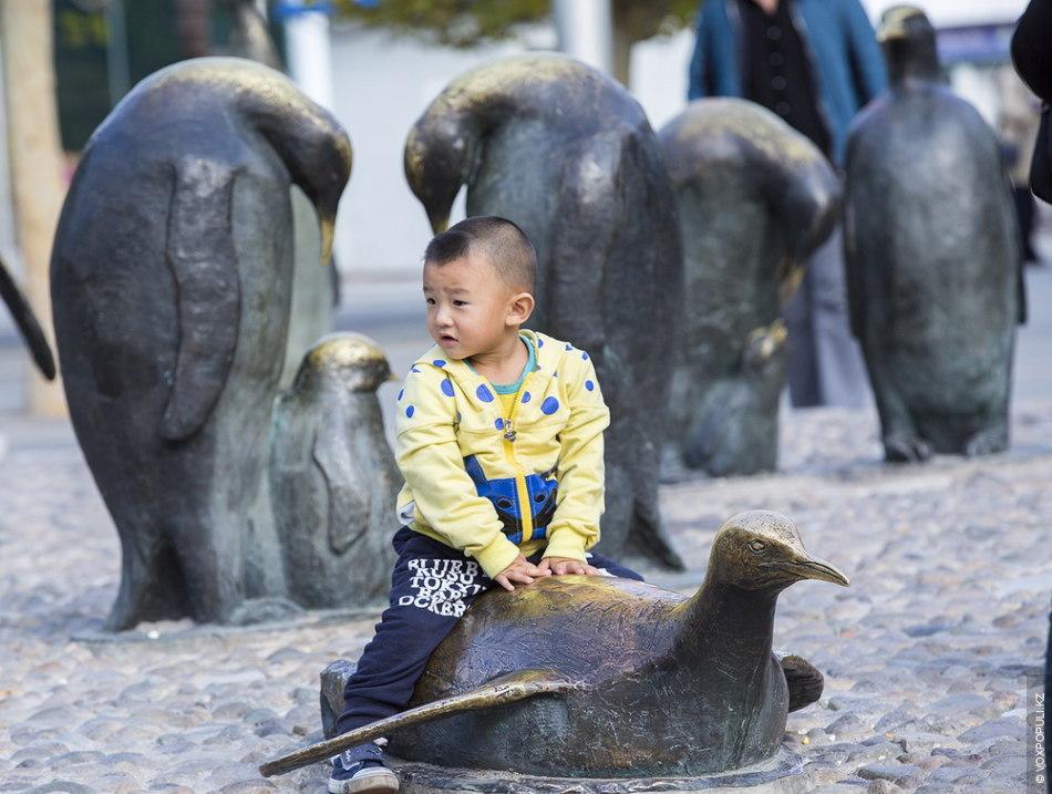 Зоопарк – хорошее место для тех, кто уже устал от посещения традиционных достопримечательностей, от суеты...