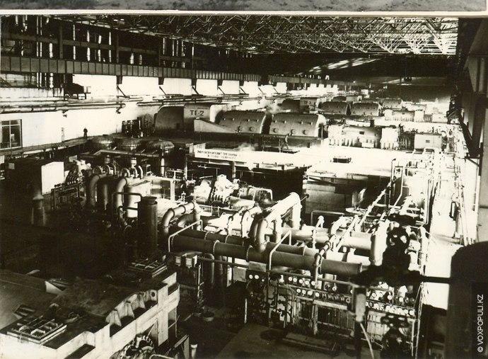 В период с 1980 по 1984 год в эксплуатацию были введены остальные турбины, уже в...