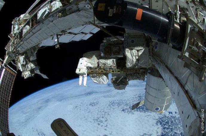 (Фото Alexander Gerst @Astro_Alex)  Мне потребовалось полгода, чтобы осознать, что люди могут жить в космосе.