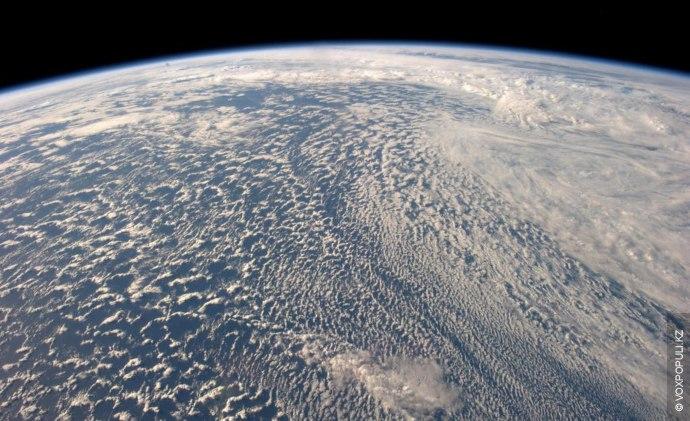 (Фото Alexander Gerst @Astro_Alex)  Мне потребовалась минута, чтобы понять насколько прекрасна планета Земля.