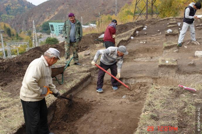 Впервые Руслан Шербаев обнаружил поселение в Медео в 2009 году. Тогда в рамках акиматовской программы...