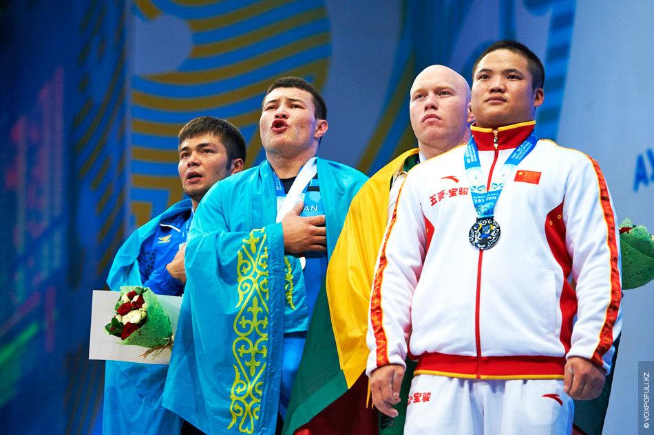У нас есть феноменальный Илья Ильин и два очень крутых штангиста в его прежнем весе...