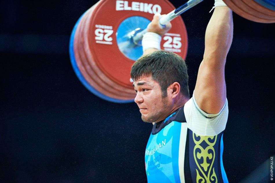В рывке Седов повторил мировой рекорд грека Кахиашвилиса – 188 кг, а Жасулан поднял штангу...