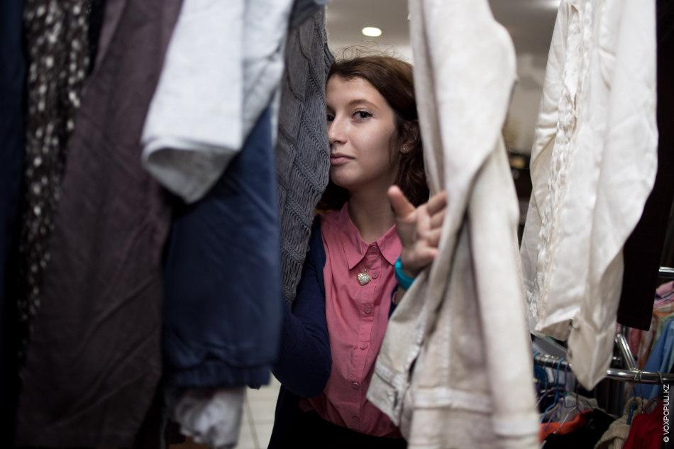 Пока дизайнер занята поиском подходящей одежды, мы развлекаемся как можем