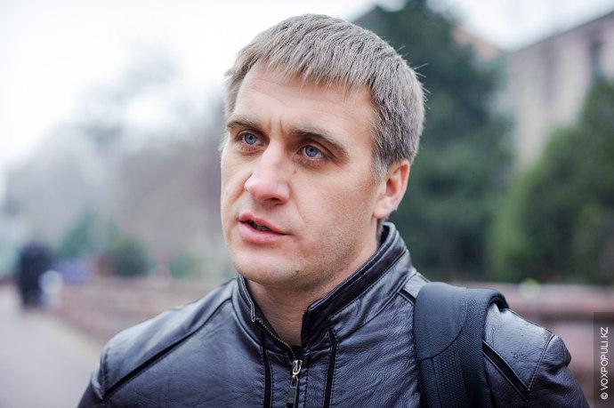 Виктор Горбачев, 33 года, юрист  Я не скажу, что значительно, но удорожание ощущается, поэтому приходится экономить....