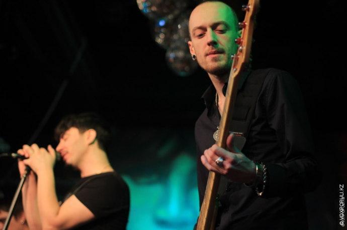 Также, в субботу, в клубе «Метро» пройдет финал конкурса молодых гитаристов «YAMAHA Guitar Lords 2014»....