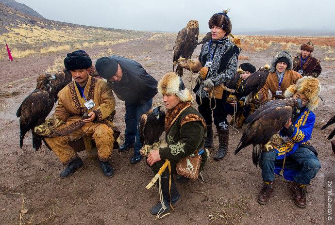 Охота с ловчими птицами была достаточно широко  распространена также  в Европе, на Ближнем...
