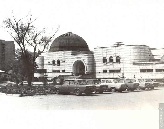 Проектирование комплекса «Арасан» началось в 1979 году. В то время в миллионной Алма-Ате наблюдался дефицит...