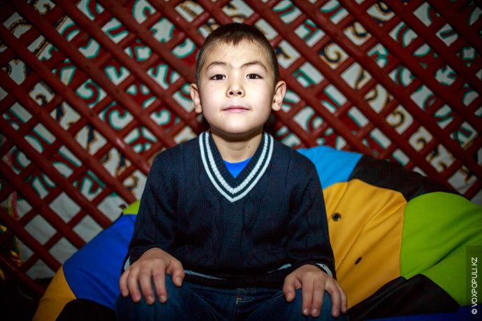 Тургын Алибек, 8 лет  Во Дворце школьников занимается прикладным искусством. На Новый год мечтает получить радиоуправляемый...