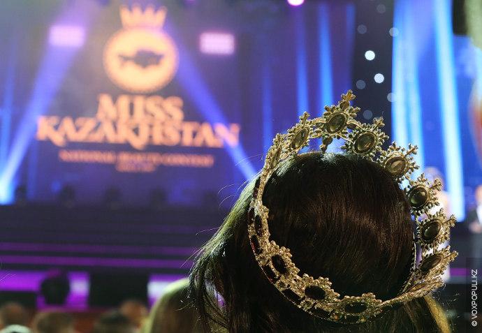 В отличие от многих других стран мира, участие в конкурсе красоты было бесплатным.  Благодаря...