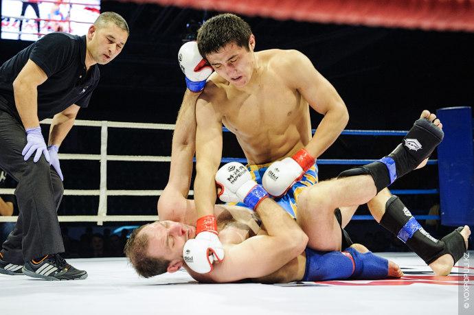 Напряженную схватку показала пара в весовой категории 77,1 кг: 28-летний Кирилл Якимович из Акмолинской области...