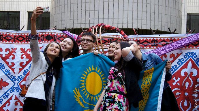 Vox Populi продолжает рассказ о том, как казахстанцы живут за границей. В новом репортаже мы...