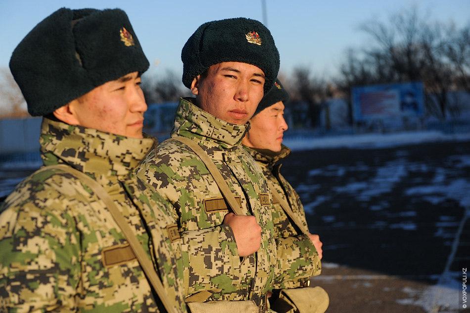 В 19:00 проводится боевой расчет, на котором распределяются наряды на будущие сутки. День завершается ежедневным...