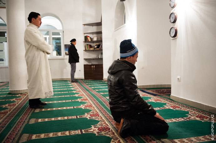Тулепберген Жакиев - имам алматинсикой мечети «Аманкул Ата». В исламе имам - настоятель мусульманского храма....