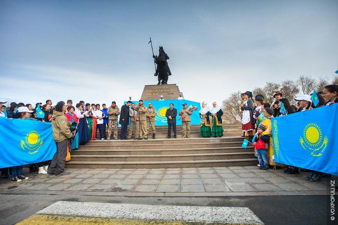 В Алматинской области находится самая высокая точка нашей страны – семитысячник пик Хан-Тенгри.  Здесь...