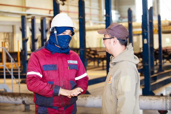 Пообщавшись с нефтяниками и студентами, путешественники двинулись в центр Мангистауской области – Актау.