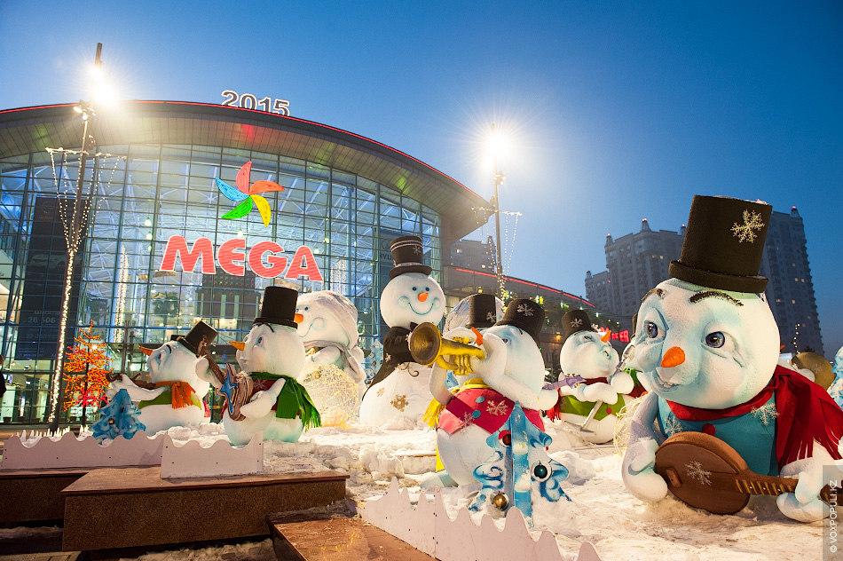 Снеговики играют новогоднии мелодии, которые слышны если вы все еще верите в сказки