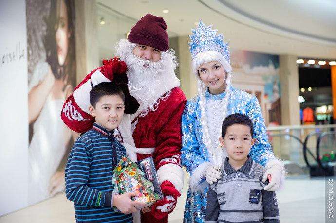 Волшебный мешок подсказал Дедушке, что мальчики в Деда Мороза не особо-то и верили. Но в...