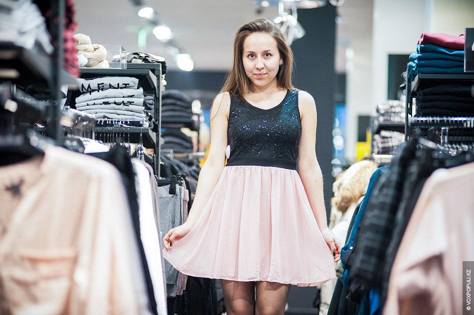 Образ №5. Молочные пудреные цвета добавят шарма и нежности. Романтичное коктейльное платье (5990 тенге) прекрасно...