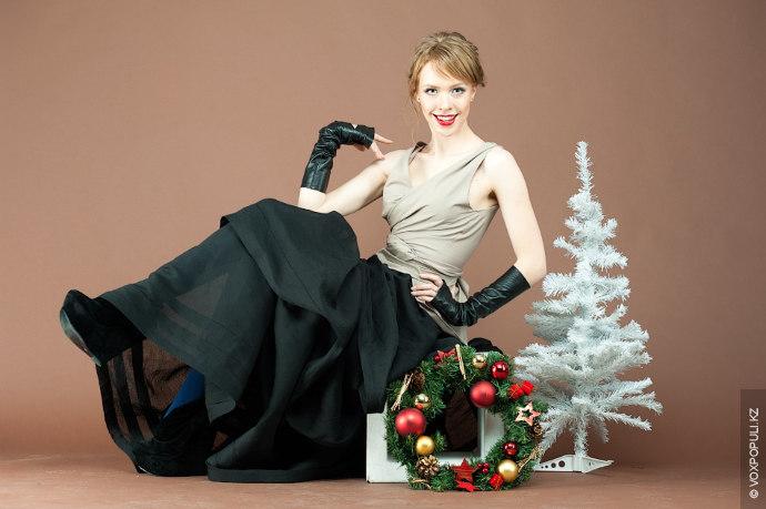 Главное правило, которое нужно запомнить при выборе новогоднего наряда – пестрой в этот вечер может...