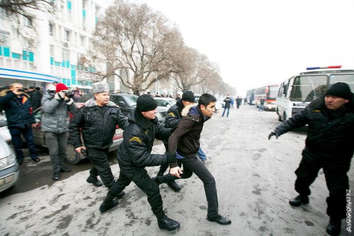 Следующий материал о том, как в Алматы проходил масштабный митинг против девальвации. Наши журналисты провели...