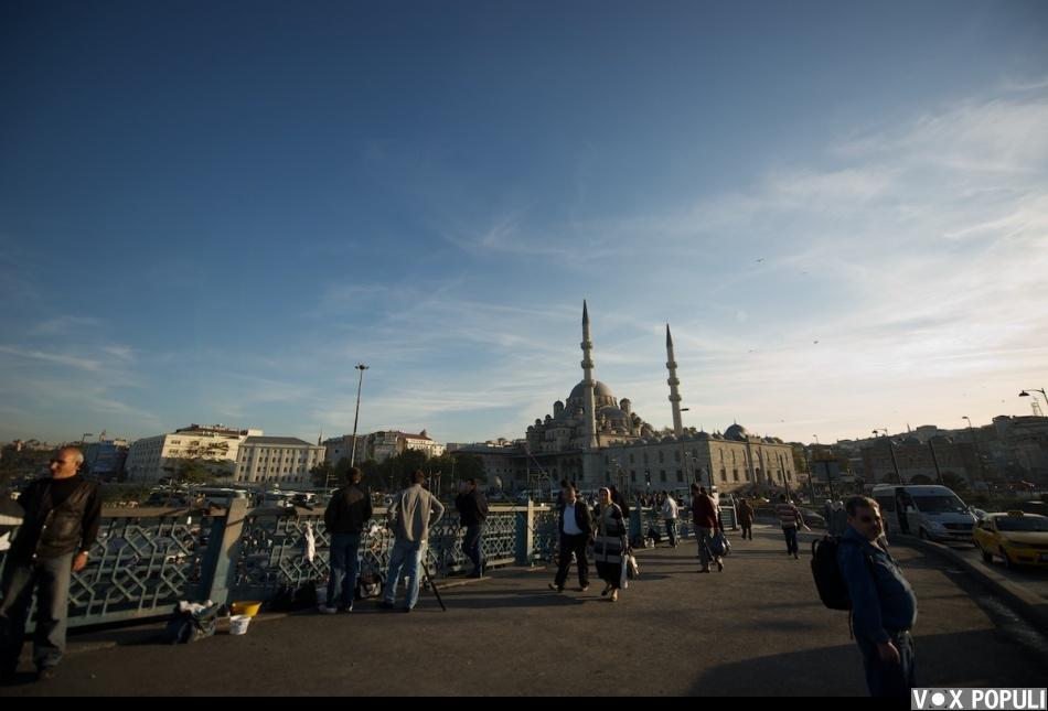 Большая часть казахской диаспоры живет в Стамбуле в районахГюнешли, Сефакёй, Зейтинбурну. До того, как перебраться...