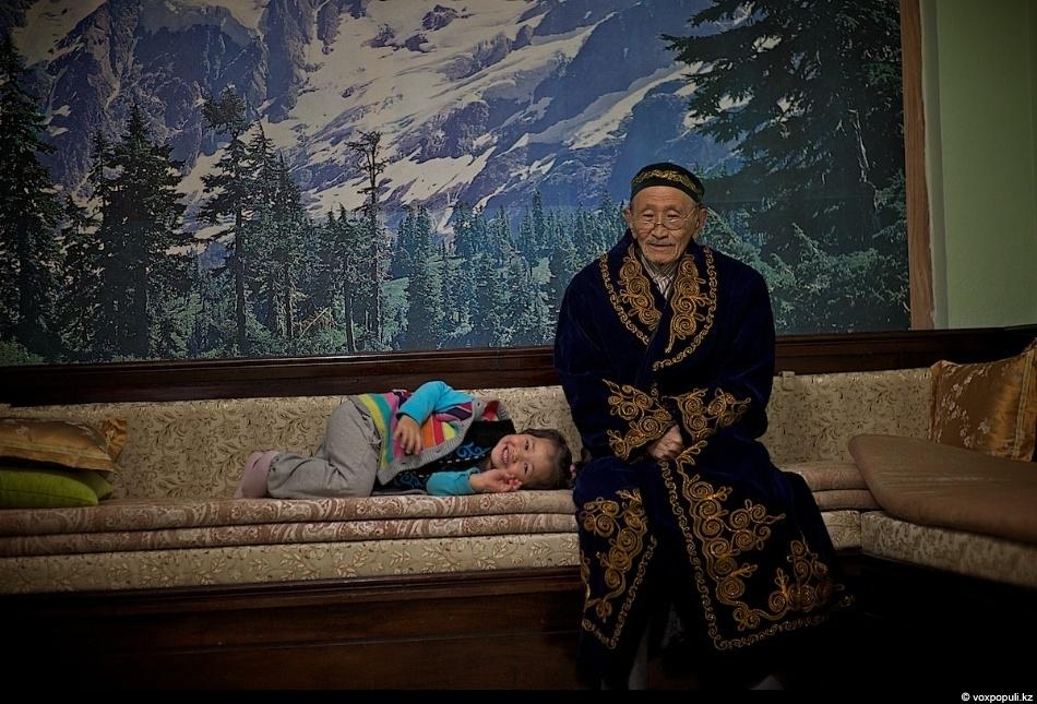 Рамазан-ата родом из Алтая. Как и у всех живущих здесь, его предки бежали через Китай...