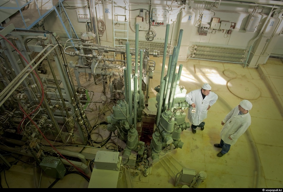 Today, experiments are conducted at the reactor, whose aim is to model behaviour of various...