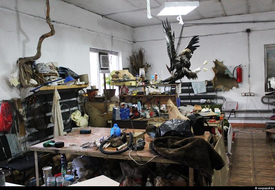 Еще один цех художественной студии KazWolf. Именно здесь, на мой взгляд, происходит все самое интересное....