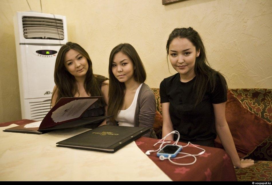 v-kazahstane-studentki-porno