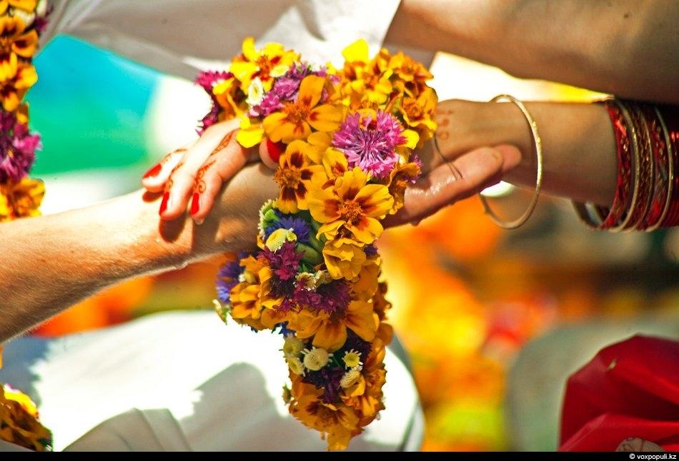 Индийские цветы своими руками