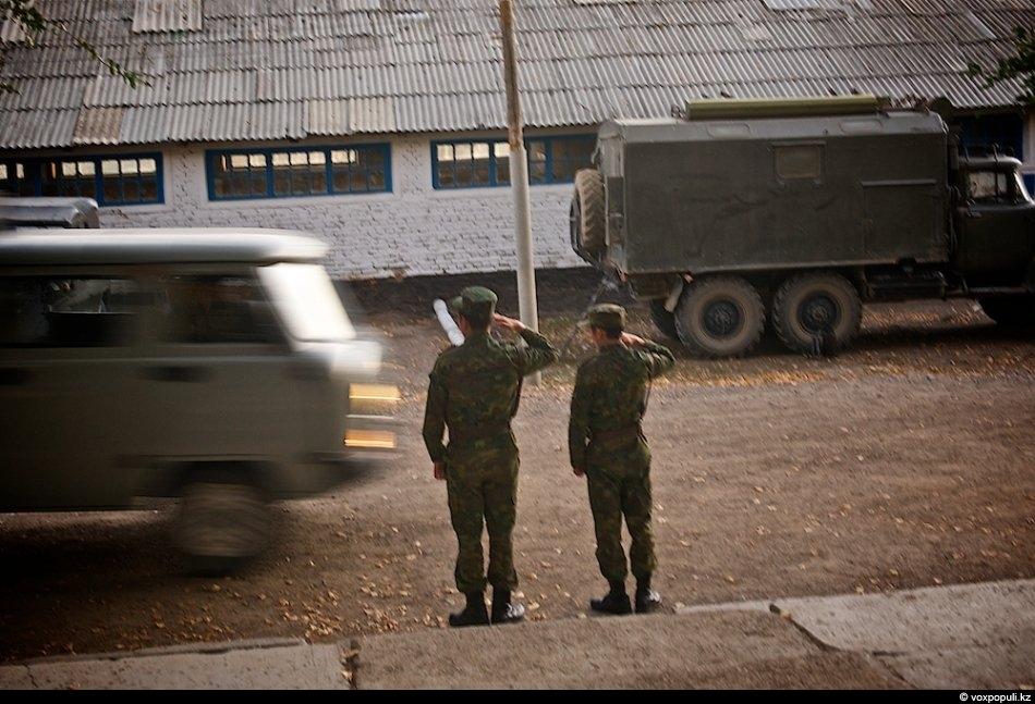 Организационная структура пограничных войск: отряд делится на комендатуры, которые выставляют погранзаставы и посты. Посты обычно...