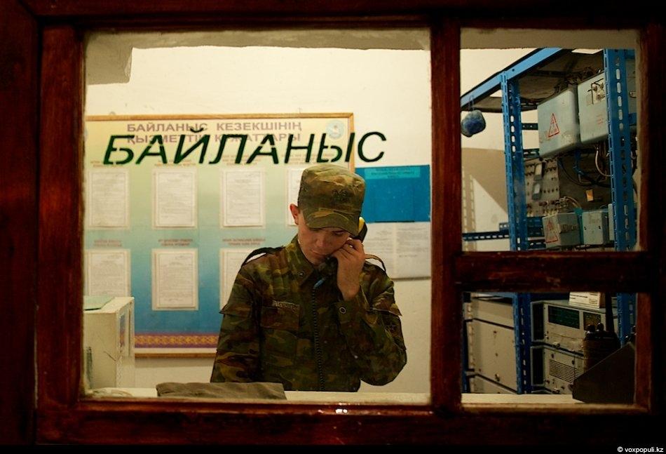 Пограничная застава «Карабас» расположена в казармах 1960 года постройки. И они не самые старые –...