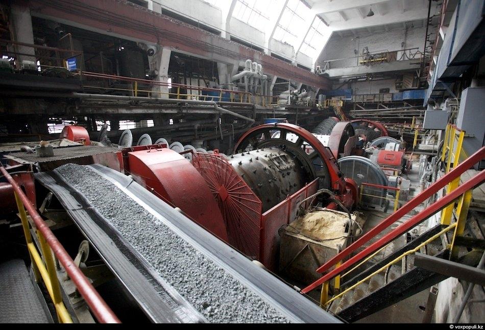 Недалеко от РСР находится обогатительная фабрика, где проходит практически тот же процесс, что и в...