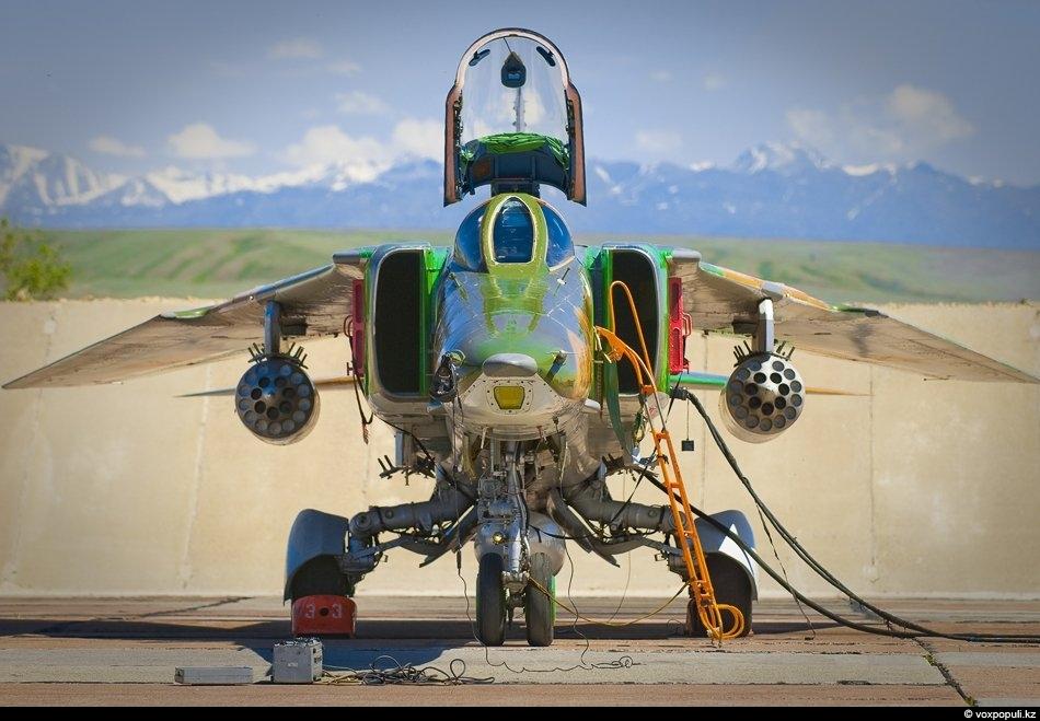 МиГ-27 ощетинился…