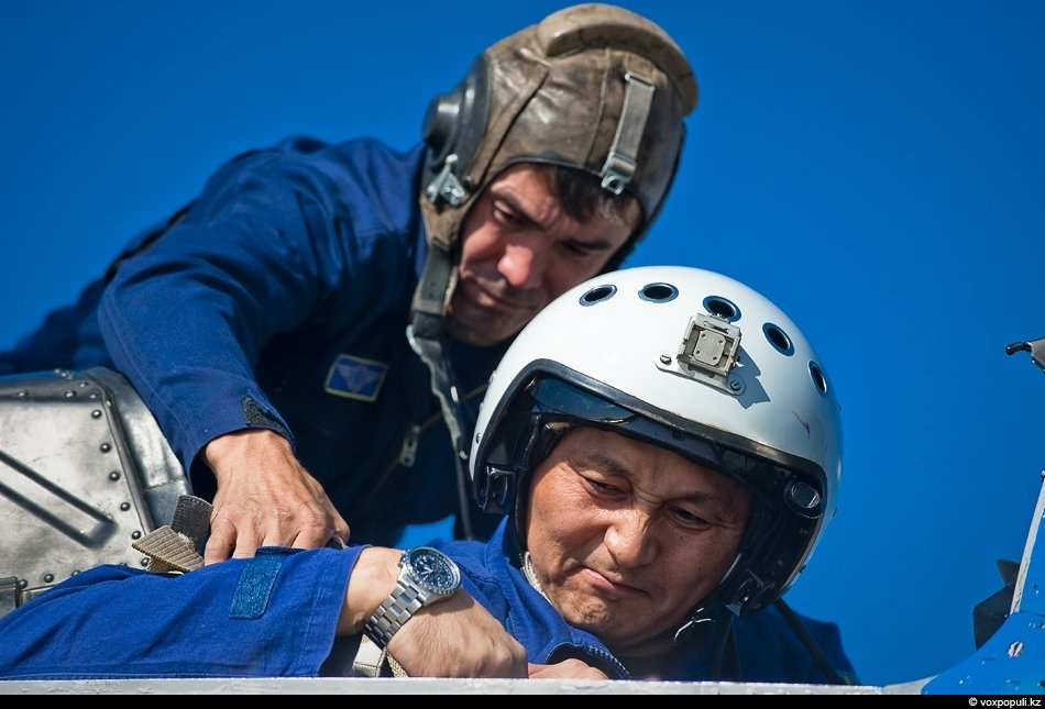 Полковник Кайрат Бузумов, заместитель командующего ВВС Казахстана по огневой подготовке