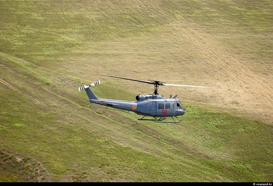 Американский подарок - Bell UH-1 Iroquois. Вертолет используется у нас как тактический транспорт для переброски...