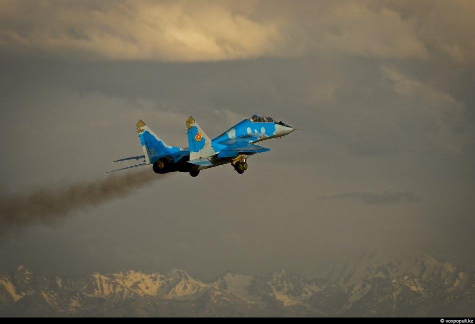 Взлетающий МиГ- 29 на фоне гор смотрится эффектно. На выставке вооружения KADEX-2012 казахстанская сторона заинтересовалась...