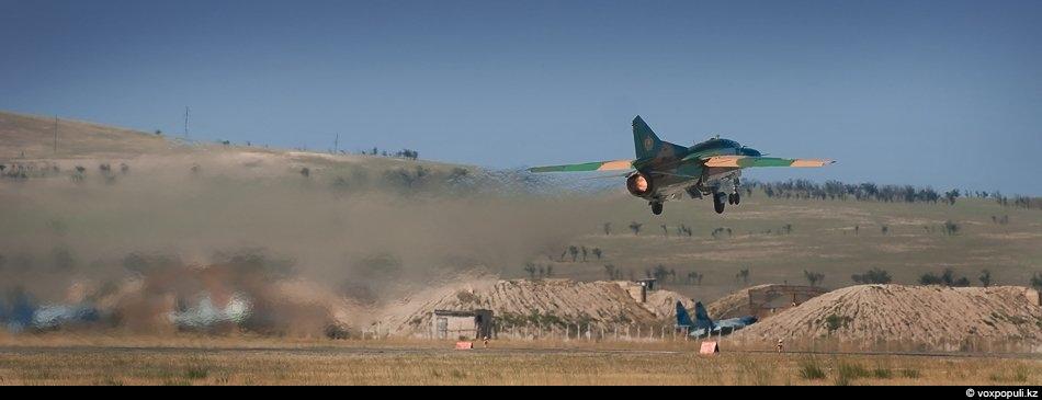 Взлет МиГ-23 УБ